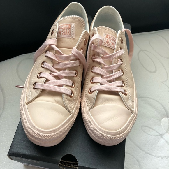 1b816f1b2ed4a7 Pastel Rose Leather Converse!